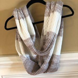 White/Light Brown scarf - Calvin Klein